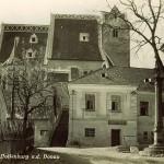 Ein altes Foto der Kirche in der Stadt Hollenburg